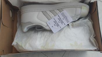 Adidas kids SUPERSTAR C幻彩贝壳头外观细节(鞋头|鞋面|鞋后跟|鞋垫)