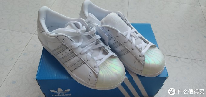 童鞋也时尚——Adidas kids SUPERSTAR C幻彩贝壳头