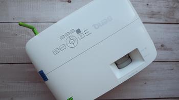明基投影仪外观细节(尺寸|摄像头|散热口|焦距调节环)