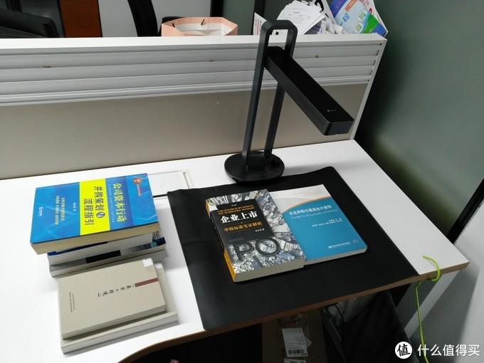 """支持免拆书""""整册扫描""""的高科技高拍仪:成者科技Aura"""