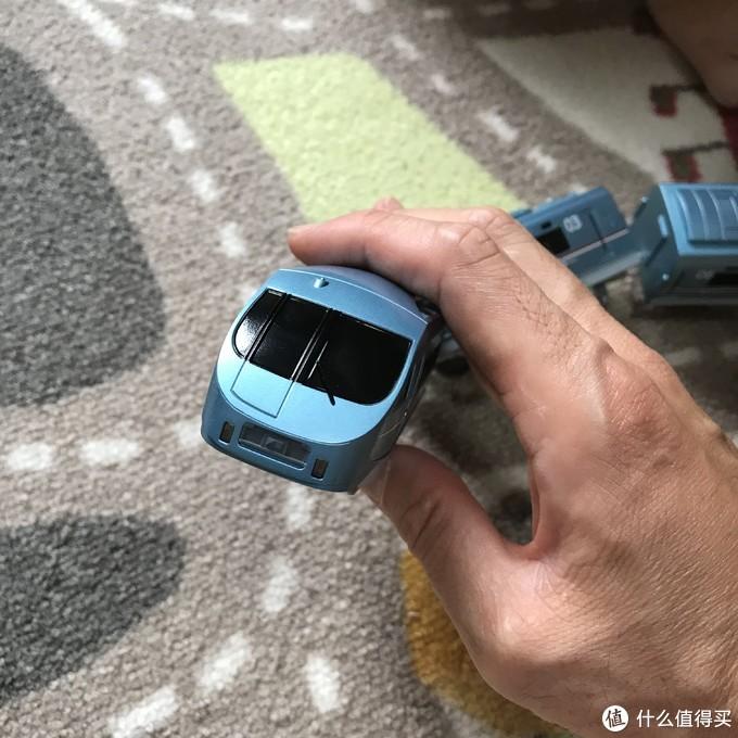 TAKARA TOMY普乐路路电动火车——小田急浪漫号