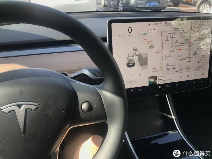 颜值与实力并存,特斯拉Model 3的不充值实用通勤评测