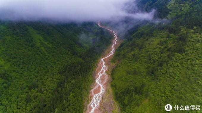 数公里长的红色河滩【航拍】