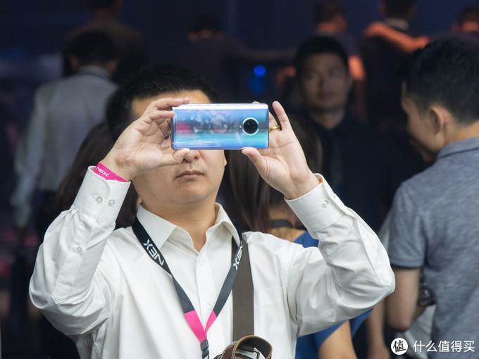 没写错,屏占比就是99.6%!vivo 发布 NEX 3 4G/5G 瀑布全面屏旗舰手机