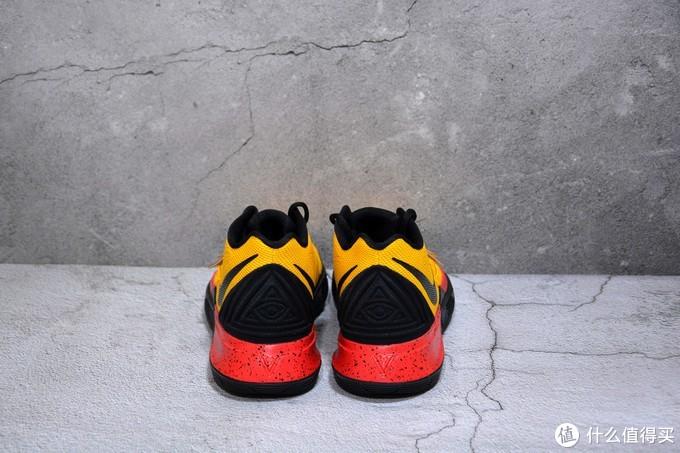 致敬两个传奇-Nike Kyrie 5 iD 李小龙配色欧文5分享