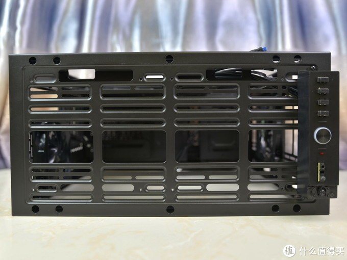 堪比全塔的中塔机箱,TT S500 TG机箱体验
