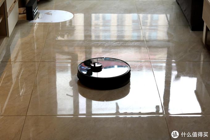 360推出新款扫地机器人,买它还是买小米石头,实际体验给你答案