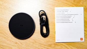 小米无线充电器外观展示(接口|指示灯)