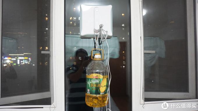 9012年了!擦窗哪还用亲自出马?使唤罗弗尔擦窗机器人就完事儿了