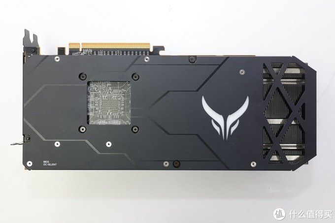 给家里的i7 8700K 老爷机升个级,新M.2 SSD和RX5700 XT用起来真爽