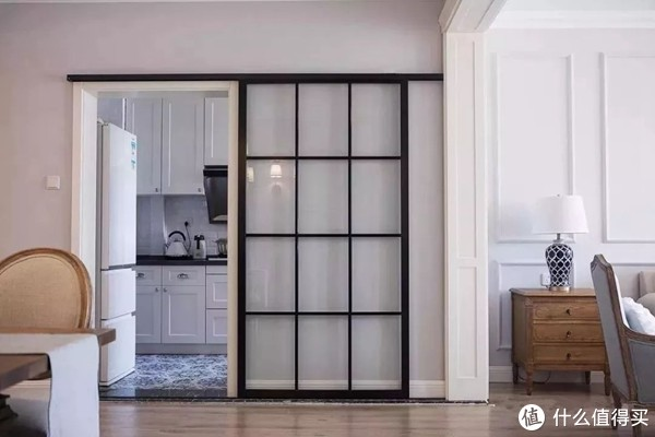 厨房玻璃推拉门选哪种材质的好?常见玻璃推拉门价格介绍