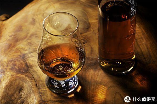 品鉴威士忌最常用的格兰凯恩杯