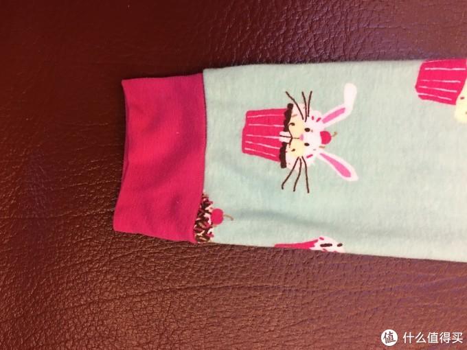 说的是内衣,其实说秋衣秋裤更贴切。HatleyA13-PJAOCSR035儿童内衣套装