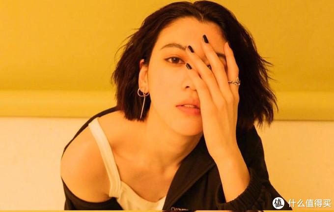 三吉彩花,一个私服比颜值更能打的酷女孩!