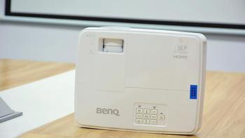 明基E500无线投影机外观展示(机身|镜头|旋钮|支脚|接口)