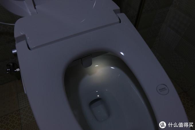 智能人性化功能让你的入厕体验更为舒适,HEGII恒洁 Qe6智能马桶一体机