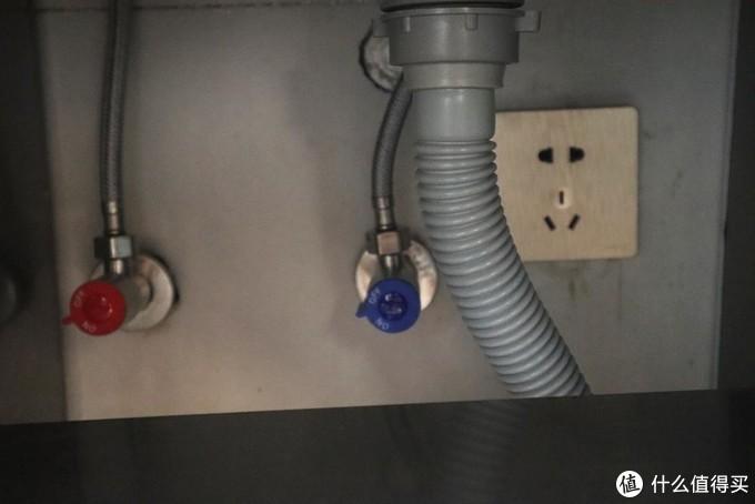 洗衣机柜评测-还纠结洗衣机放哪?来看看我家的真实案例—希箭洗衣机柜