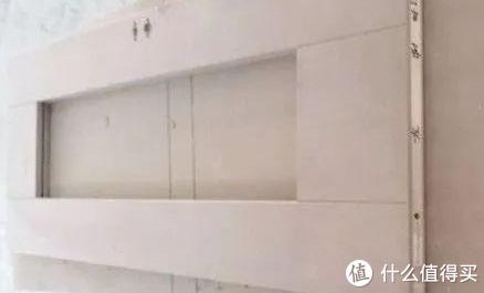 上图:覆面板让门整体更平整