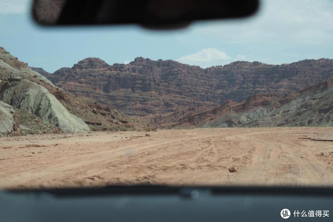 驱车进去没有路的大峡谷