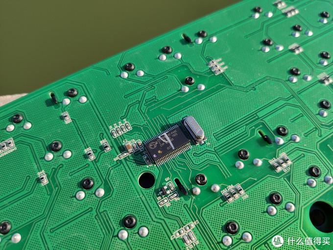 机械键盘教科书——leopold利奥博德 FC900R PD石墨金