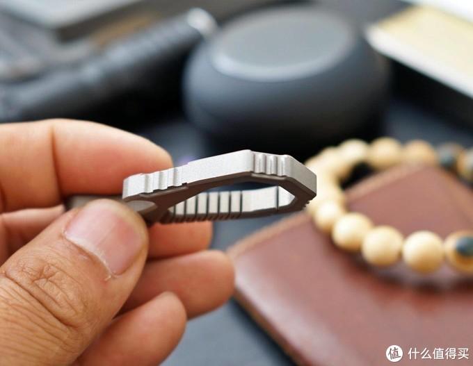 斐戈FEGVE多功能钛合金一体钥匙扣上手体验