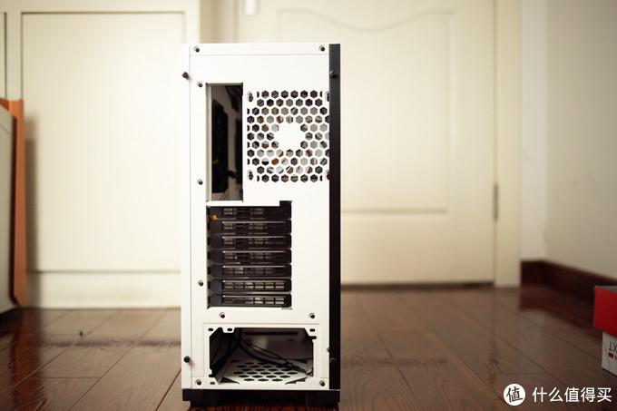 最近对灯着迷,老电脑装新瓶,电铠elecArmor DK106 中塔式机箱