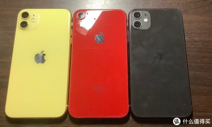 """入黑黄双色,拼多多和京东换购iPhone 11的""""值""""操作"""