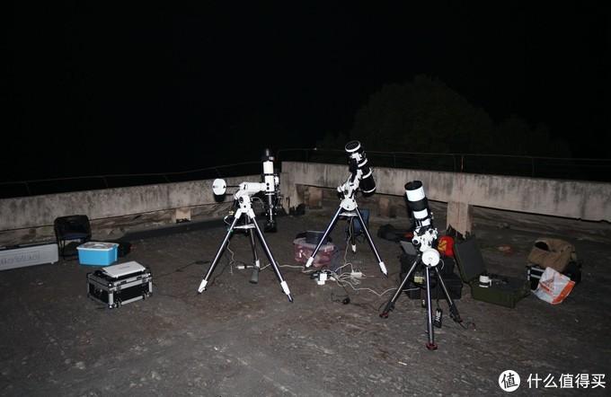 两台APO,一台小黑,在拍摄中。