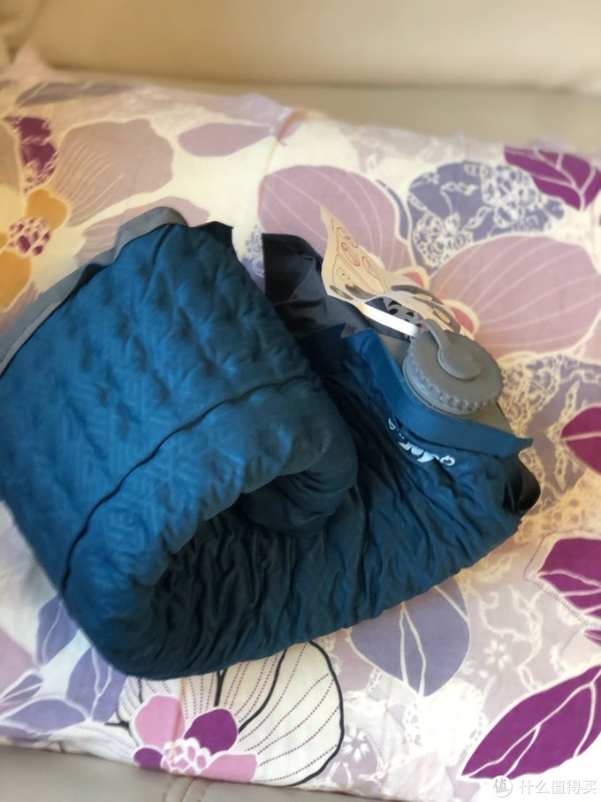 首晒—迪卡农便携自充气启枕头简单开箱