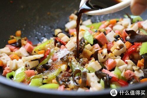 莲藕最下饭的做法,比清炒更够味儿,开胃下饭,超有食欲
