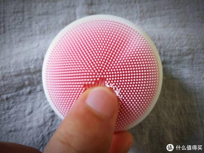 精致液态硅胶,不足百元,DOCO超柔软萌趣洁面仪丨体验
