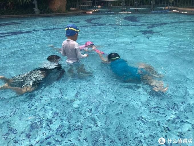 高温下防晒,泳衣都省💰