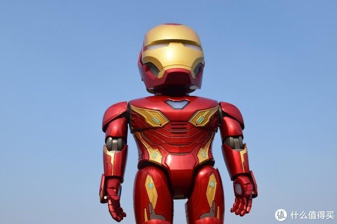 钢铁侠巨型手办?非也,可编程、可AR游戏的优必选漫威钢铁侠MARK50智能机器人