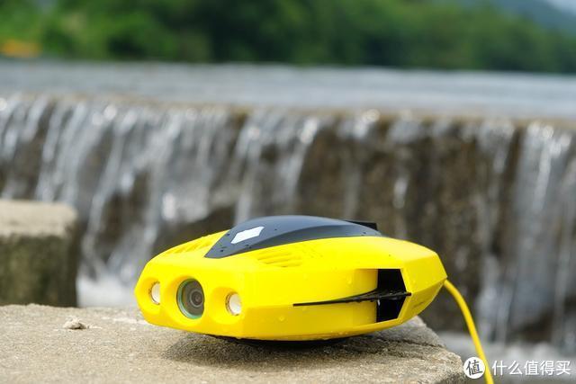 潜行多睿潜拍无人机评测:极致便携最深可潜15米,续航1小时