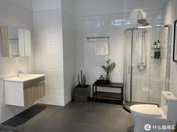 恒洁卫浴探店:有了这款神器,每次使用都是一种享受