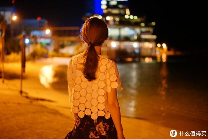晚上的海风竟然还伴着丝丝清凉,对于赤道边上的马累我还真是意外