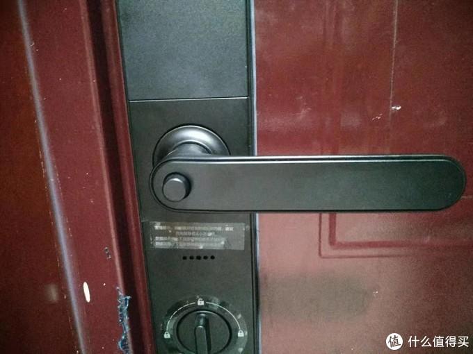 防猫眼按钮,必须按下才能开门