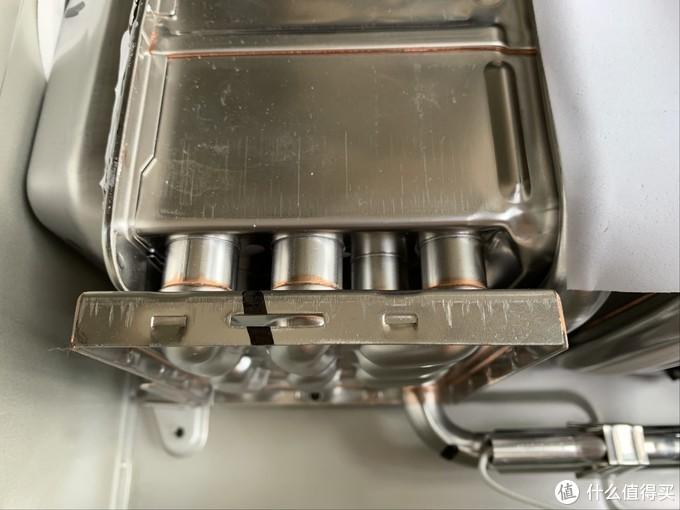 为何动辄几千差价?真假恒温玄机是啥?A.O.史密斯热水器拆给你看