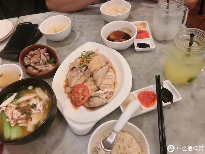 海南鸡饭+面条+鸡肝+卤蛋,饮料点了酸柠檬水?(貌似是)+薏仁水