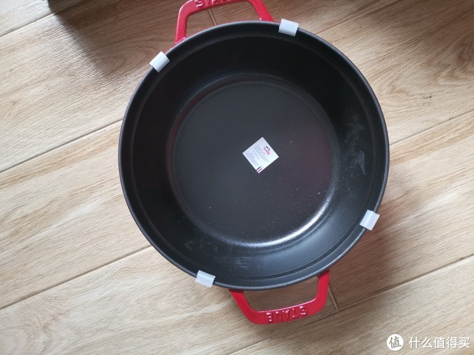 颜值和体重同时在线的STAUB法国铸铁珐琅锅