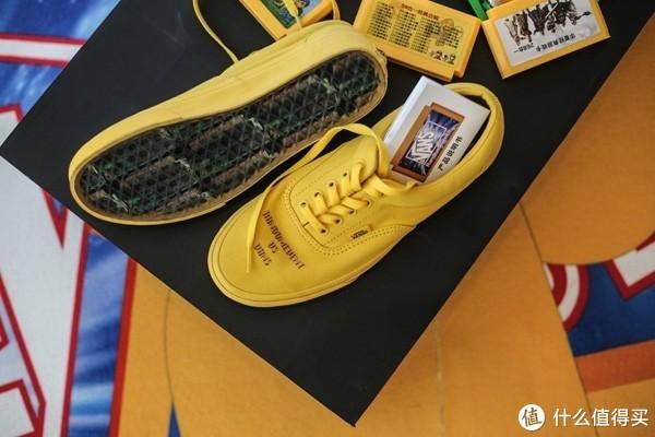 """美式街头融贯本土设计,VANS推出""""玩儿就VANS了""""联名系列鞋款~"""
