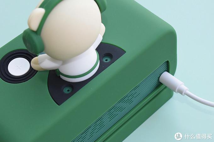 戴绿帽的咖啡伴侣!——天猫精灵星巴克定制版智能音箱品谈