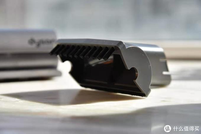 随手一放随处可用的小白——顺造随手吸尘器Z1