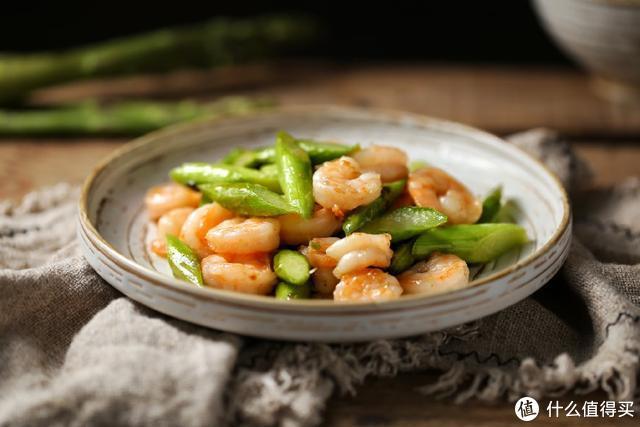 """它是""""蔬菜之王"""",脆嫩清香、营养十足,随便炒炒就能鲜掉你舌头"""