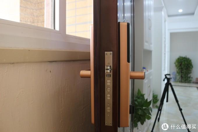 """真正的""""一握开"""",金指码指纹SK1带你解锁6种进家方式"""