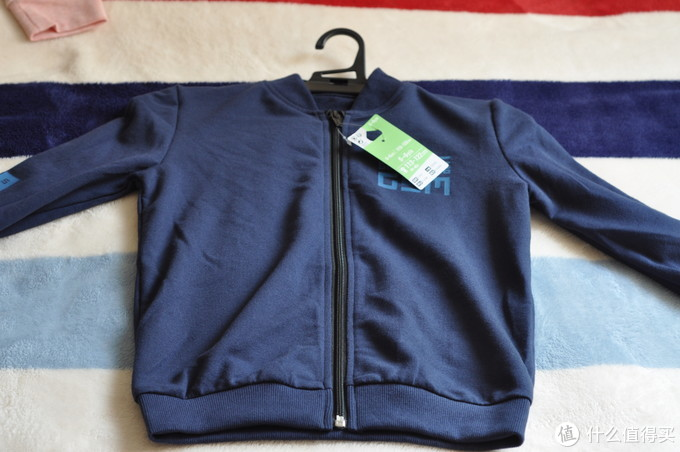 迪卡侬的衣服舒适型好?于是我买了这件儿童夹克
