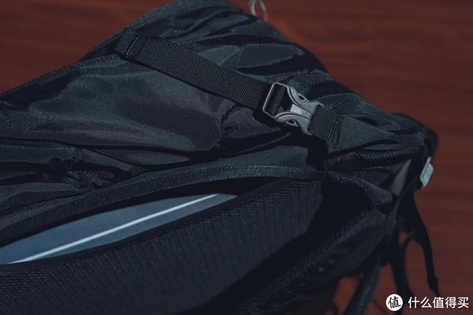 我的旅行包里装什么(之8天城市游背包使用体验和物品分享)