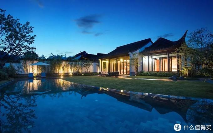 双卧泳池别墅