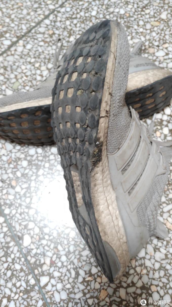 1600km时鞋底磨损情况