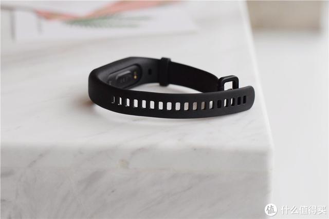 价格是关键,新出的黑加1S手环到底值不值得买?